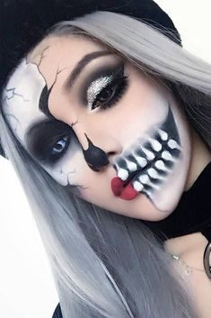 Good Absolutely Free 45 really cool skeleton makeup ideas per this Halloween . Popular 45 really cool skeleton makeup ideas for this Halloween Halloween Skeleton Makeup, Cool Skeleton, Halloween Makeup Looks, Half Skeleton Makeup, Sexy Skeleton Costume, Half Skull Makeup, Skull Makeup Tutorial Half, Halloween Makeup Tutorials, Facepaint Halloween