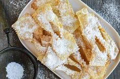 How to make Italian Crostoli Crostoli are a crispy fried Italian pastry which are popular during carnvale and many other celebrations. Try stopping at just one - impossible! Italian Cookie Recipes, Italian Cookies, Italian Desserts, Easy Desserts, Easy Vanilla Cake Recipe, Lemon Curd Recipe, Italian Pastries, Sweet Pastries, French Pastries
