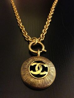 "Cookie Lyon wore this Vintage Chanel Gold Round Texture Pendant ""CC"" Logo Chain on #Empire (1 x 3)"