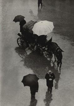 elvira : Martin Munkacsi Palermo, Procession, Sicily 1927