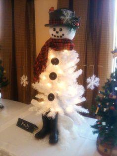 "whiteChristmas Tree snowman | ... – ""Frosty The Snowman Christmas Tree"" | The Redneck Rosarian"