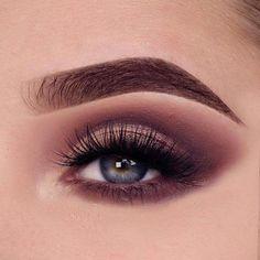 Are you team neutral or team colour? Great eyemakeup 2019 #EyeMakeupGlitter Make Up Tutorials, Stunning Makeup, Gorgeous Eyes, Beautiful, Smokey Eyes, Smokey Eye Makeup, Natural Lipstick, Natural Makeup, Mascara