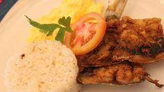 fried boneless bangus (milkfish), garlic rice and scramble egg Filipino Food, Filipino Recipes, Filipino Breakfast, Egg Scramble, Marina Resort, Subic, Good Find, Scrambled Eggs, Pinoy