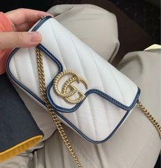 Replica Handbags, Hermes Handbags, Gucci, Burberry, Bvlgari Bags, Celine Bag, Prada Bag, Louis Vuitton, Chanel