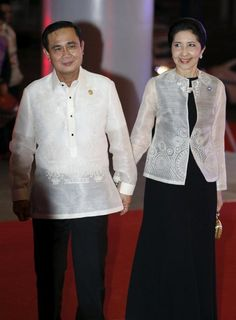 The barong-clad world leaders at the APEC gala dinner | Lifestyle | GMA News Online