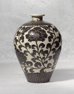 A VERY RARE 'CIZHOU' 'SGRAFFIATO' VASE (MEIPING)<br>NORTHERN SONG DYNASTY   Lot   Sotheby's