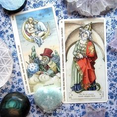 The Moon and The High Priestess from the Tarot of Durer published by Lo Scarabeo. / Photo © www.VioletAura.com
