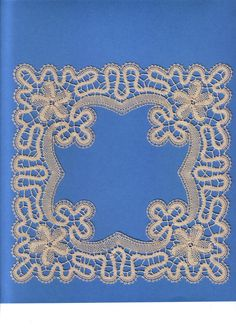 Bobbin Lace Patterns, Embroidery Patterns, Hand Embroidery, Romanian Lace, Bobbin Lacemaking, Types Of Lace, Lace Braid, Crochet Mittens, Point Lace