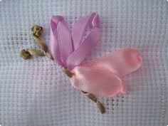 Мастер-класс Вышивка Мотылёк вышивка атласными лентами Ленты фото 1