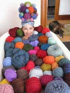 Yarn therapy. Podría ser mi cama