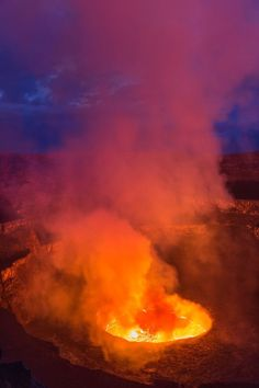 Stunning images of volcano's lava lake could warn of eruption in DAYS