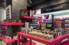 Sally Beauty store by Droguett A&A, Lima – Peru