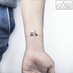 Tattoo-Kunst im Kleinformat  Was macht ein tolles Tattoo aus? Die Zahl der beanspruchten Haut-Quadratmetern? Ein umwerfendes Motiv? Klar, auch ein großflächiges Tattoo kann be...