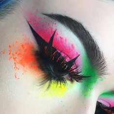 WEBSTA @ tralee.stack - Neons are my neutrals-Products:-For the green I used @suvabeauty Lucky Clover with Fanny Pack Hydra liner on top-The pink is @urbandecaycosmetics Savage (from the #ElectricPalette ) with Suva beauty Scrunchie Hydra Liner on top-For the orange I used @sugarpill Flamepoint and Suva Beauty Acid Trip Hydra liner on top-For the yellow I used @sugarpill Buttercupcake with Suva Beauty Dance Party on top-@katvondbeauty Tattoo liner-@nyxcosmetics White liquid liner and Acid…