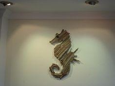 caballito de mar  en driftwood