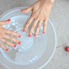 How to dry your nails faster: Take a bowl of ice water | Begin painting | Dip nails in ice water | Apply second or top coat | Ice water bath | You're ready! #manicure #nails #tips #beauty #water