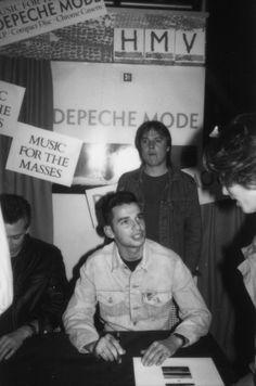 aa02cbe5ec2dcf Depeche Mode   hmv 150 Oxford Street
