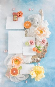 Styling your wedding flat lays like a pro with our Acrylic Flat Lay Blocks! Flat Lay Photography, Wedding Photography, Product Photography, Wedding Stationary, Wedding Invitations, Wedding Designs, Wedding Styles, Bleu Pastel, Wedding Flats