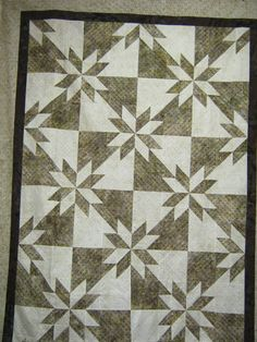 Custom feather quilting on Hunter Star quilt by Shannon M. Hicks ... : orion star quilt - Adamdwight.com