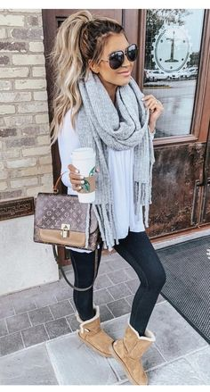 31 Trendy Outfits For Women To Look Stylish Source by lovemissamanda Outfits invierno Legging Outfits, Leggings Outfit Fall, Athleisure Outfits, Pants Outfit, Winter Outfits For Teen Girls, Winter Outfits Women, Winter Fashion Outfits, Casual Outfits, Cute Outfits