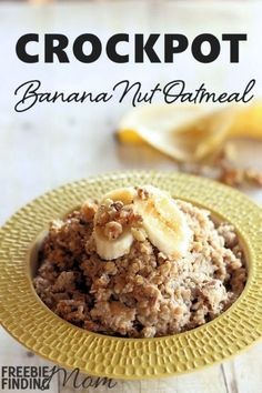 Crockpot Banana Nut Oatmeal - How would you like to wake up to the tempting aroma of warm banana nut oatmeal? Take just minutes before you go to bed to toss the ingredients into a crockpot and you'll have delicious oatmeal ready for you in the morni Crock Pot Slow Cooker, Crock Pot Cooking, Slow Cooker Recipes, Cooking Recipes, Crockpot Meals, Healthy Recipes, Healthy Food, Crock Pots, Freezer Meals