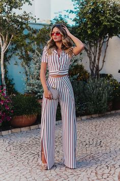 Outfits con Pantalón de Vestir de Moda 37 Outfits con Pantalón de Vestir de Moda Carrá Gloria Carrá (born 15 June 1971 in Banfield, Buenos Aires) is an Argentine Dressy Outfits, Casual Summer Outfits, Chic Outfits, Work Outfits, Pantalon Costume, Cute Pants, Elegantes Outfit, Jumpsuit Outfit, Dress Ootd