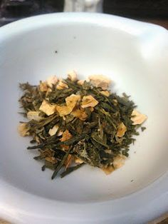 My Thoughts Are Like Butterflies, Tea Reviews and Geekery. : BlendBee: Lime Green With Envy, A Tea Reiview
