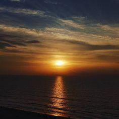Foto: @capriej  www.hotellasamericas.com.co  #ElHoteldeLasEstrellas #Cartagena #ThePreferredLife #Caribbean #Lifestyle #Colombia Celestial, Sunset, Beach, Instagram Posts, Outdoor, Cartagena, Colombia, Caribbean, Pictures