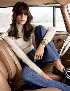 The Tory: The epitome of tomboy chic — a classic, sporty style with a round case and a bold bracelet   Tory Burch Watches