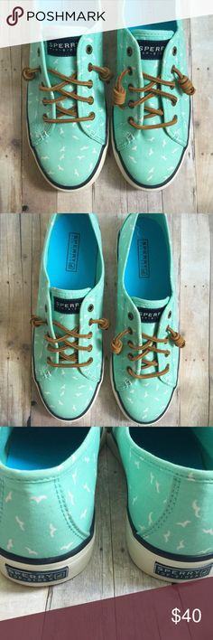// S p e r r y • T o p - S i d e r • Sz 9 // Sperry Top-Sider woman's mint seacoast print shoes Sz 9. Look brand new and ready for a new home! Sperry Top-Sider Shoes
