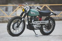 The builder of this Triumph 'Greenhorn Express' makes a living restoring early Land Rovers. Can you tell?