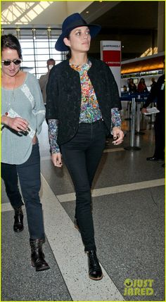 Marion Cotillard's Colorful Style Grabs Our Attention at LAX Airport | marion cotillard colorful style lax airport 07 - Photo