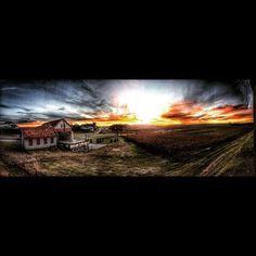 Por do Sol avermelhado na Luiz Argenta! #Strava #bike #sol #love #instagood #sunset #sunrise #sun #pretty #beautiful #red #orange #pink #sky #skyporn #cloudporn #nature #clouds #horizon #photooftheday #instagood #gorgeous #view #night #morning #silhouette #instasky #doleitorpio #luizargenta #floresdacunha #serragaucha