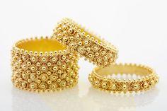 Fedi sarde - Sardinian wedding rings #weddingring #wedding #engagement #weddingdress #weddings #weddingshoes #weddinggown #jewelry #finejewelry #jewellery #engagementring #sardinia #alghero #gold #filigree http://www.lacorallinaalghero.it/filigrana/
