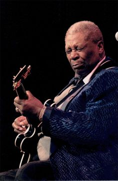 """The Thrill Is Gone, Long Live The King Riley """"Blues Boy"""" King Sept 1925 - May 2015 We are deeply saddened by the news of the passing of our friend BB King and wish him a peaceful homegoing. 60s Music, Blues Music, Jazz Music, Mississippi, Riley Blue, Las Vegas, Bb King, King Photo, Celebrities Then And Now"""