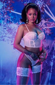 -Model: - Wowing him: Rihanna put on a seriously sexy performance at the VMAs on Sunday. ♡ Ƒօӏӏօա ʍҽ ƒօɾ ʍօɾҽ թins yօu'ɾҽ ցօnnɑ ӏօѵҽ ♥️ Rihanna Is Too Busy Dropping Savage X Fenty To Think About The Met Gala Moda Rihanna, Rihanna Mode, Rihanna Riri, Rihanna Style, Rhianna Fashion, Rihanna Bikini, Rihanna Fenty Beauty, Beyonce, Rihanna Instagram