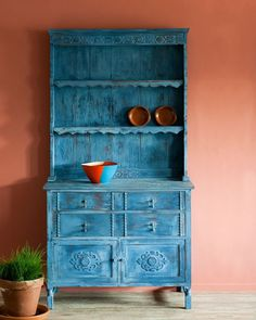 Meet Napoleonic Blue Chalk Paint® by Annie Sloan. Napoleonic Blue is inspired by the ultramarine and cobalt blue pigments used for decorative work in everything from neoclassical interiors through … Furniture Sofa Set, Trendy Furniture, Diy Pallet Furniture, Large Furniture, Colorful Furniture, Repurposed Furniture, Furniture Making, Cool Furniture, Furniture Projects