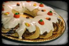 Swedish Tea Ring, Harvest Party - Thanksgiving - Halloween Party Food - OCCASIONS AND HOLIDAYS