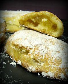 La cocina de Gele.: Empanadillas de almendra rellenas de mermelada de manzana