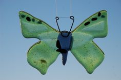 Butterfly Ceramic Art, Glass Art, Butterfly, Ceramics, Animals, Painting, Hall Pottery, Animales, Pottery