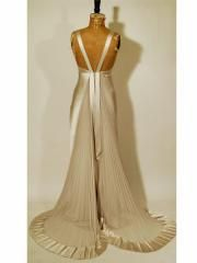 1930s Hollywood Glamour Inspired Wedding Dress Sensational Art Deco Style Weddings Clic
