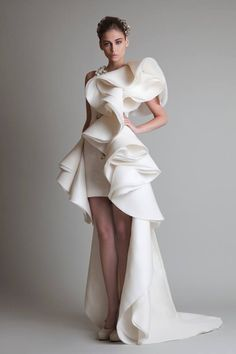 Attention all high fashion brides! Your couture wedding dress dreams are about to come true. We are swooning over Krikor Jabotian's Spring/Summer 2014 bridal Style Haute Couture, Couture Fashion, Runway Fashion, Fall Fashion, High Fashion, Formal Fashion, Net Fashion, Bridal Gowns, Wedding Gowns