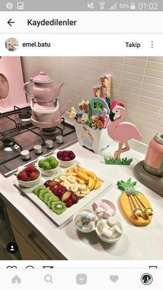 Romantic Breakfast, Turkish Breakfast, Food Design, Cute Kitchen, Food Decoration, Food Platters, Turkish Recipes, Deco Table, Food Presentation
