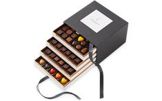 Homemade Milk Chocolate, Giant Chocolate, Luxury Chocolate, Dark Chocolate Bar, Artisan Chocolate, Chocolate Box Packaging, Chocolate Gift Boxes, Chocolate Sweets, Chocolate Recipes