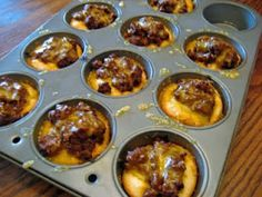 Sloppy Joe Biscuit Cups, like the idea, would use a gluten free biscuit recipe dough and homemade sauce Great Recipes, Snack Recipes, Favorite Recipes, Yummy Recipes, Toddler Meals, Kids Meals, Lunch Snacks, Kid Lunches, School Lunches