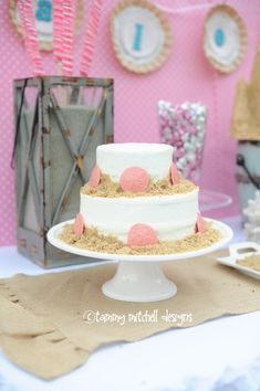 GIRL PARTIES: BEACH PARTIES: Make your own sugar sandcastle, beach party food and luau games - Entertain | Fun DIY Party Craft Ideas