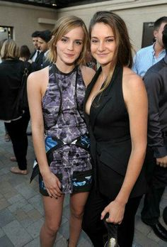 Emma Watson and Sailene Woodley. When Hermione met Tris Beautiful Celebrities, Beautiful Actresses, Gorgeous Women, Emma Watson Beautiful, Emma Watson Sexiest, Emma Watson Fan, Shailene Woodley, Woman Crush, Mannequins