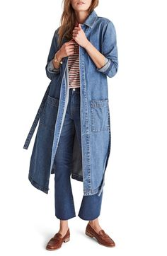 Shop a great selection of Madewell Denim Duster. Find new offer and Similar products for Madewell Denim Duster. Urban Fashion Trends, Nyc Fashion, Denim Fashion, Winter Fashion, Fashion Tips, Long Denim Jacket, Oversized Denim Jacket, Denim Shirt, Winter Coats Women