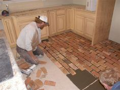 Kitchen Tiles Floor Brick 22 Ideas For 2019 Brick Flooring, Diy Flooring, Bathroom Flooring, Stairs Flooring, Linoleum Flooring, Flooring Ideas, Brick Tile Floor, Brick Bathroom, Garage Flooring