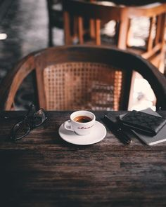 Cup of Coffee Archives - Ultimate Coffee Cup Coffee Milk, Coffee And Books, Coffee Cafe, My Coffee, Coffee Break, Morning Coffee, Café Chocolate, Coffee Photography, Life Photography